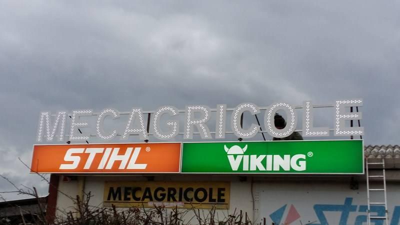 Enseigne lumineuse pour magasin de materiel agricole ollioules mecagricole - Viking materiel de bureau ...